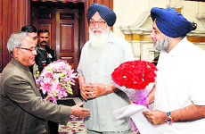President Pranab Mukherjee with Punjab CM Parkash Singh Badal and Deputy CM Sukhbir Singh Badal in New Delhi