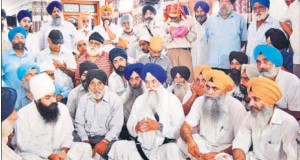 Akal Takht jathedar Giani Gurbachan Singh (sitting, centre) speaking during a meeting of gurdwara officials in Saharanpur,