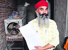 1984 riots victim Surjit Singh at his residence in Bathinda