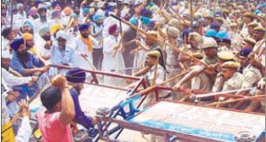 Haryana Shiromani Gurdwara Management Committee (at hoc) supporters and police clash during at attempt to take over Gurdwara Chhevin Patshahi in Kurukshetra