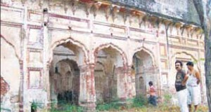 The palace of Maharaja Ranjit Singh at Dinanagar in Gurdaspur in a dilapidated condition.